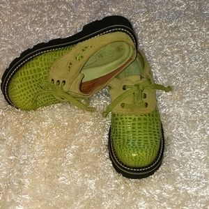 """ARIAT front tie, lime green slip ons!! Size 6 1/2"""""""